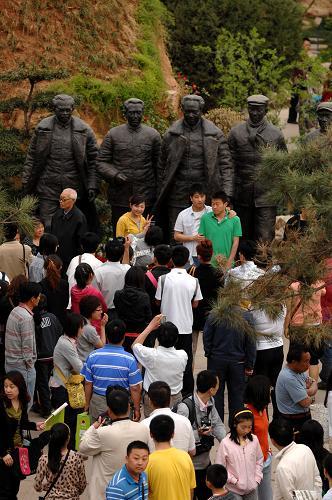 """世园会成西安旅游新热点五一""""游客总量突破30万"""